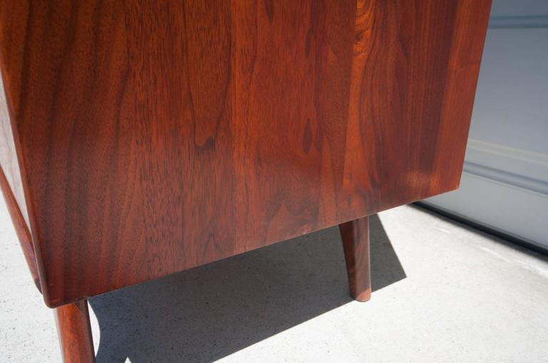 Midcentury ace hi walnut dresser at 1stdibs for Mid century modern furniture hawaii
