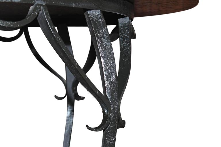 Stone Granite Top Round Dining Table For Sale