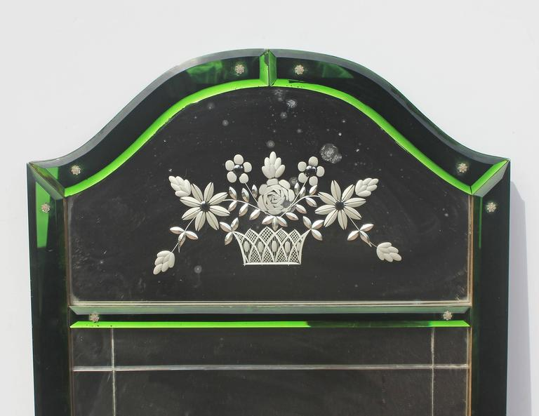Venetian glass etched mirror. Bevelled and etched. Unusual emerald green glass side panels, Italian, circa 1920s.