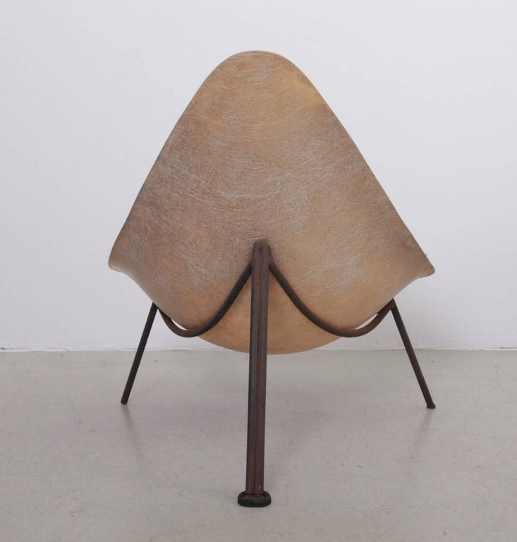 Early French Fiberglass Lounge Chair in Parchment by Ed Merat, France, 1956 3