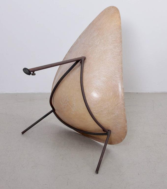 Early French Fiberglass Lounge Chair in Parchment by Ed Merat, France, 1956 7