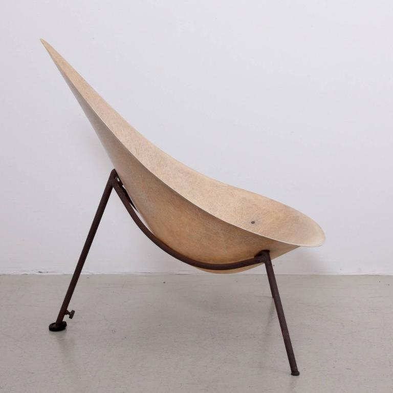 Early French Fiberglass Lounge Chair in Parchment by Ed Merat, France, 1956 4