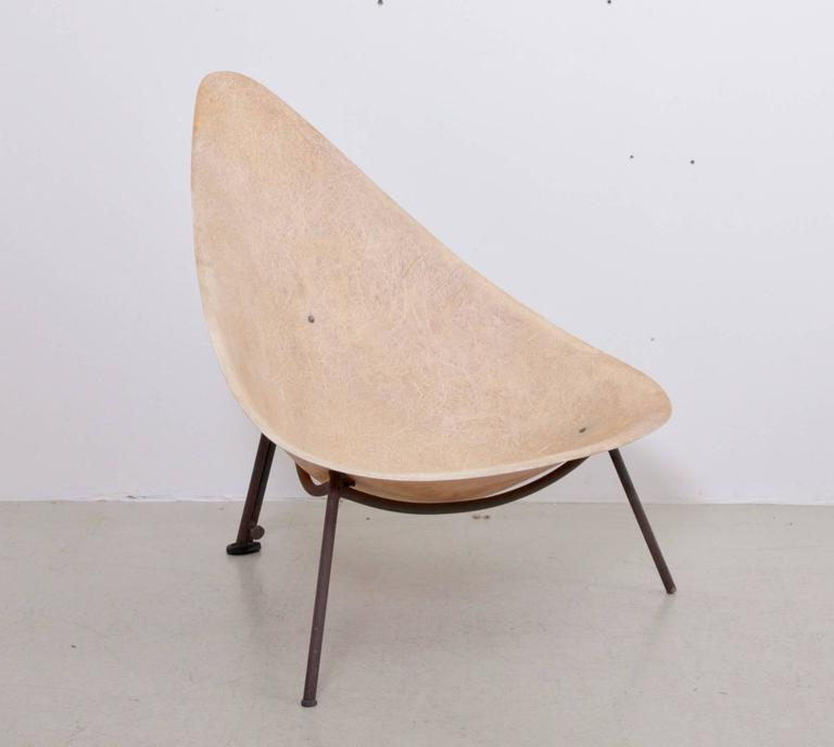 Early French Fiberglass Lounge Chair in Parchment by Ed Merat, France, 1956 2
