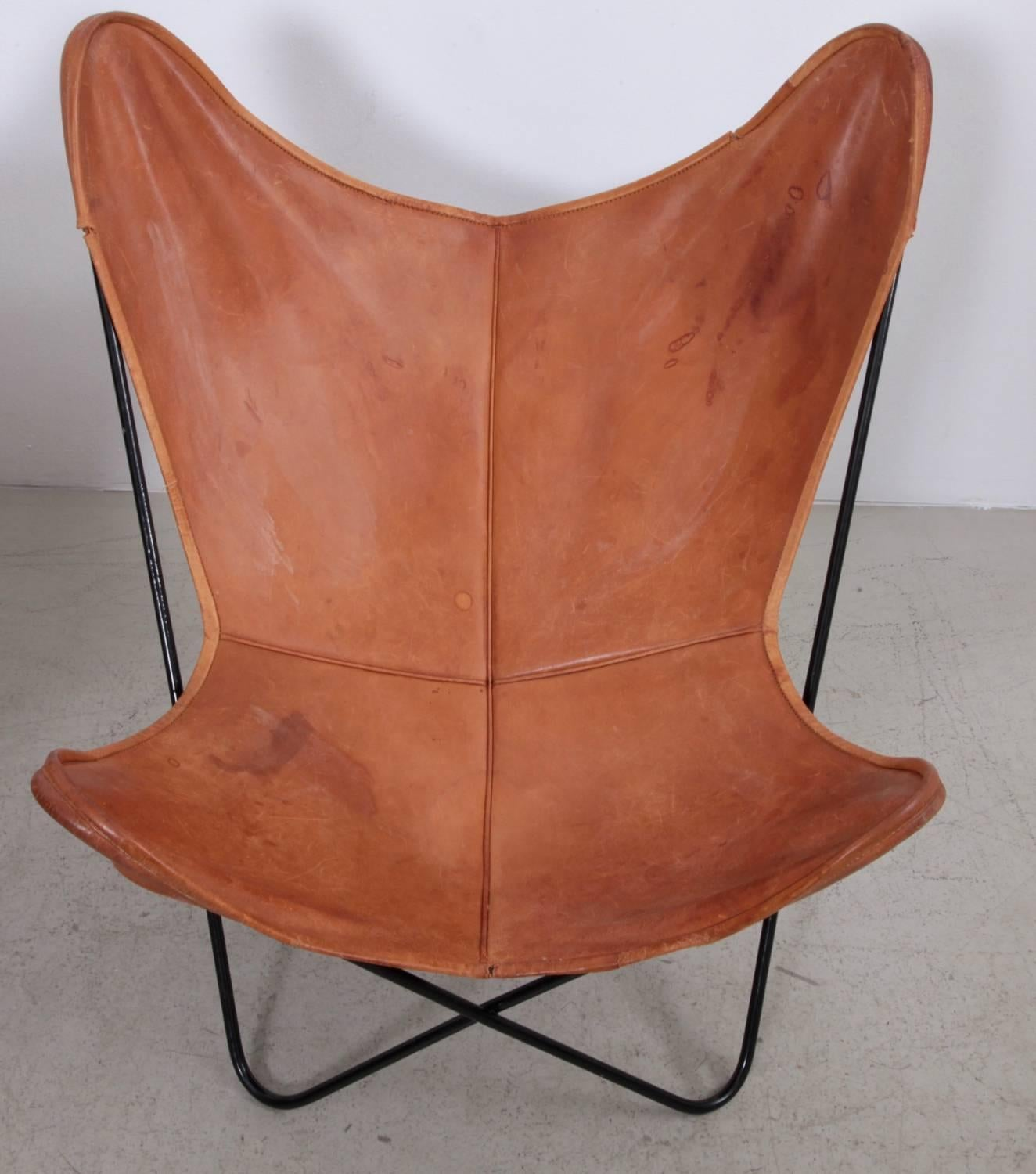 Butterfly Chair Pair By Knoll International With Exceptionally Beautiful  Original Leather In Cognac On A Black