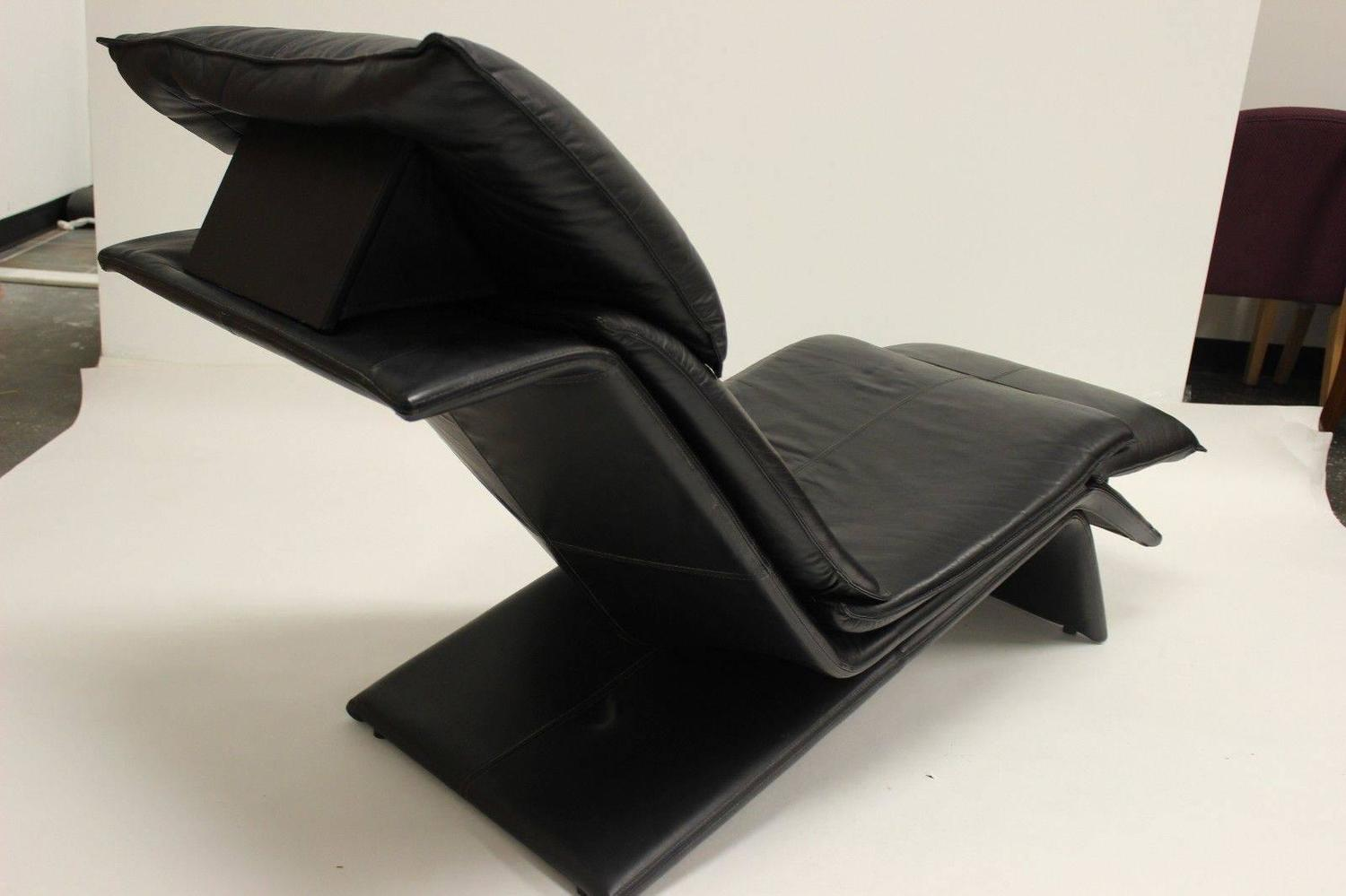 Very Sleek Leather Vico Magistretti Style Lounge Chair At