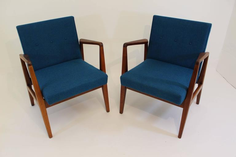 Pair Of Jens Risom Modern Lounge Chairs At 1stdibs