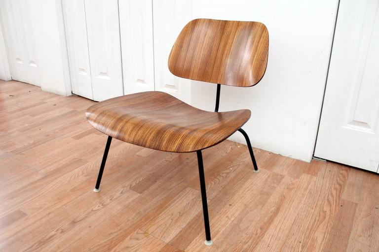 Mid Century Modern Eames LCM Zebra Wood Lounge Chair For Sale