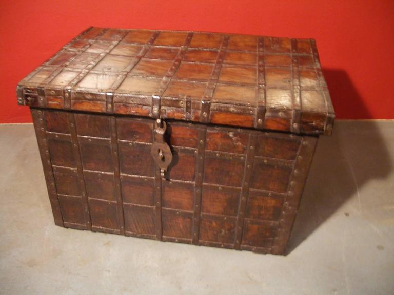 19th Century Anglo Indian Small Antique Chest In Good Condition For Sale In Eindhoven, NL