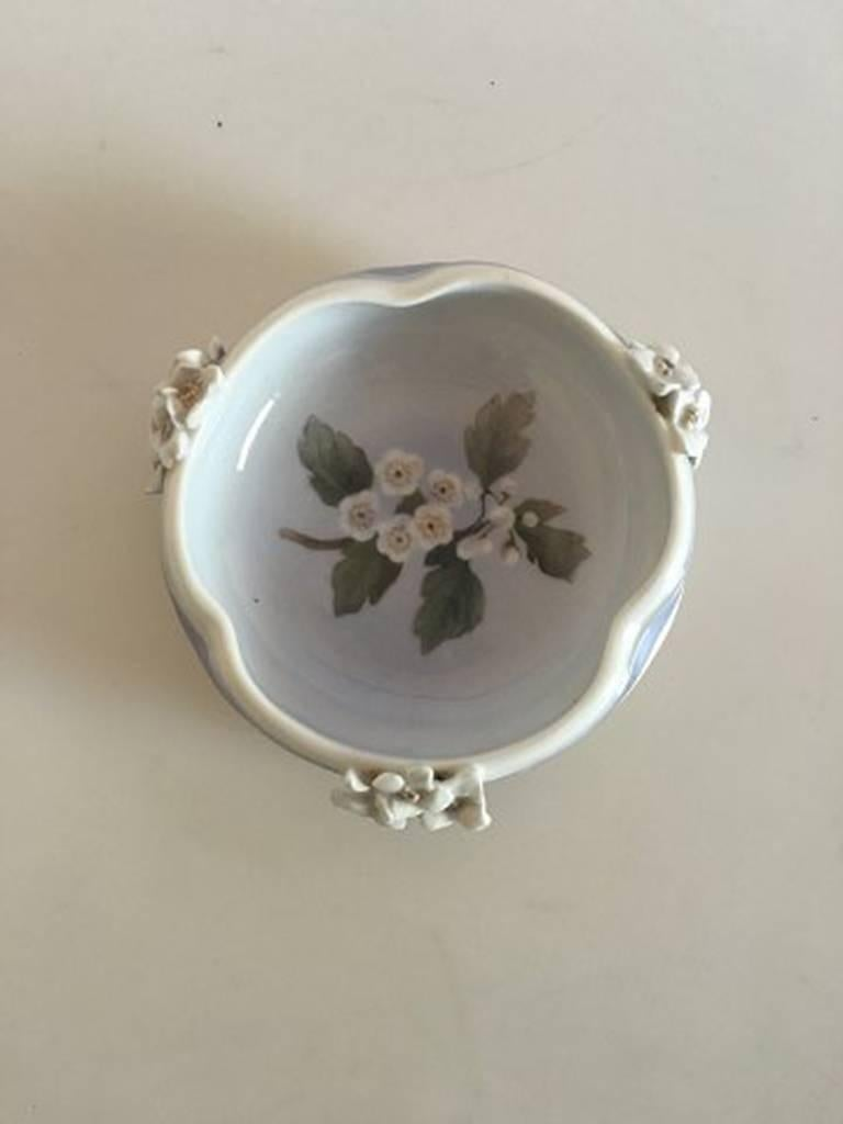 Royal Copenhagen bowl. Measures: 13.5 cm diameter (5 5/16 inches). 4 cm tall (1 37/64 inches).