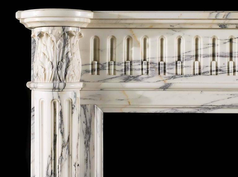 Small French Regency Antique Fireplace Mantel in Arabescato Marble In Good Condition For Sale In London, GB