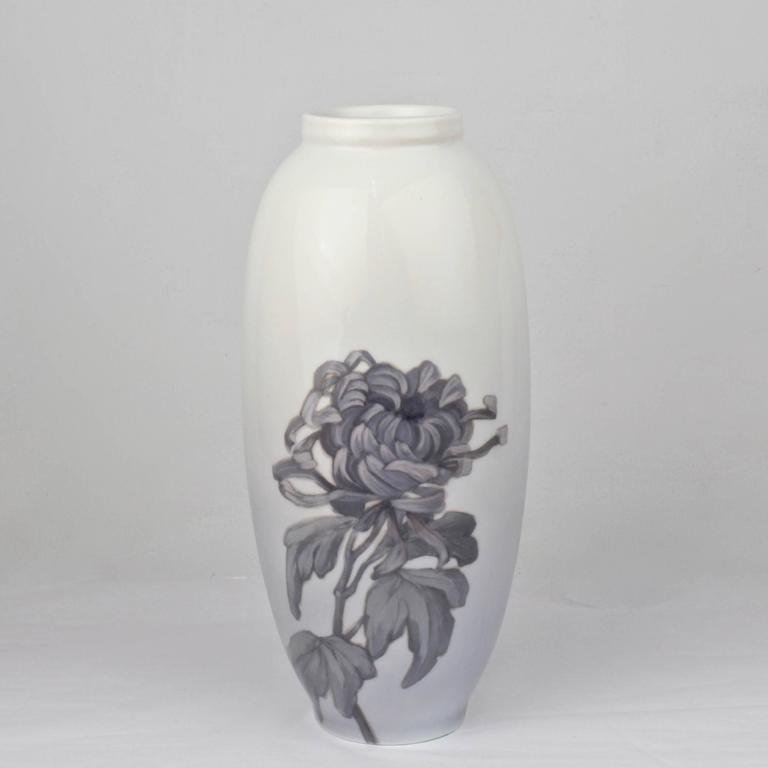 Japonisme Early 20th Century Royal Copenhagen Porcelain Vase with a Large Chrysanthemum For Sale