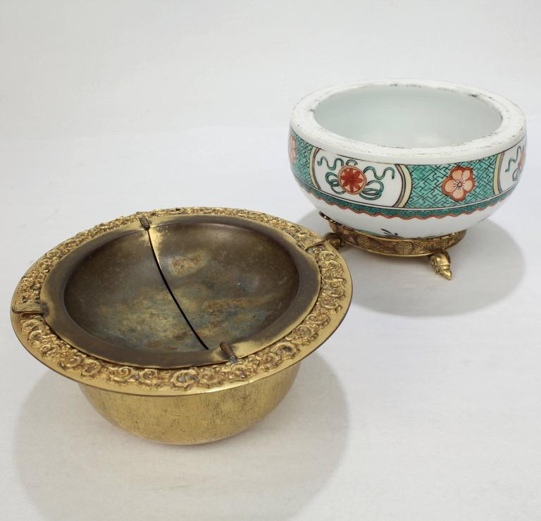 Gilded Age E F Caldwell Bronze-Mounted Chinese Export Porcelain Ashtray For Sale 3