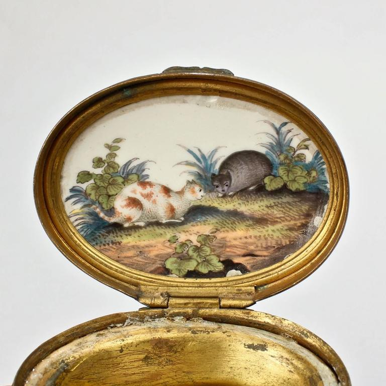 Antique 18th Century Mennecy Figural Mouse Snuff or Patch Box For Sale 1