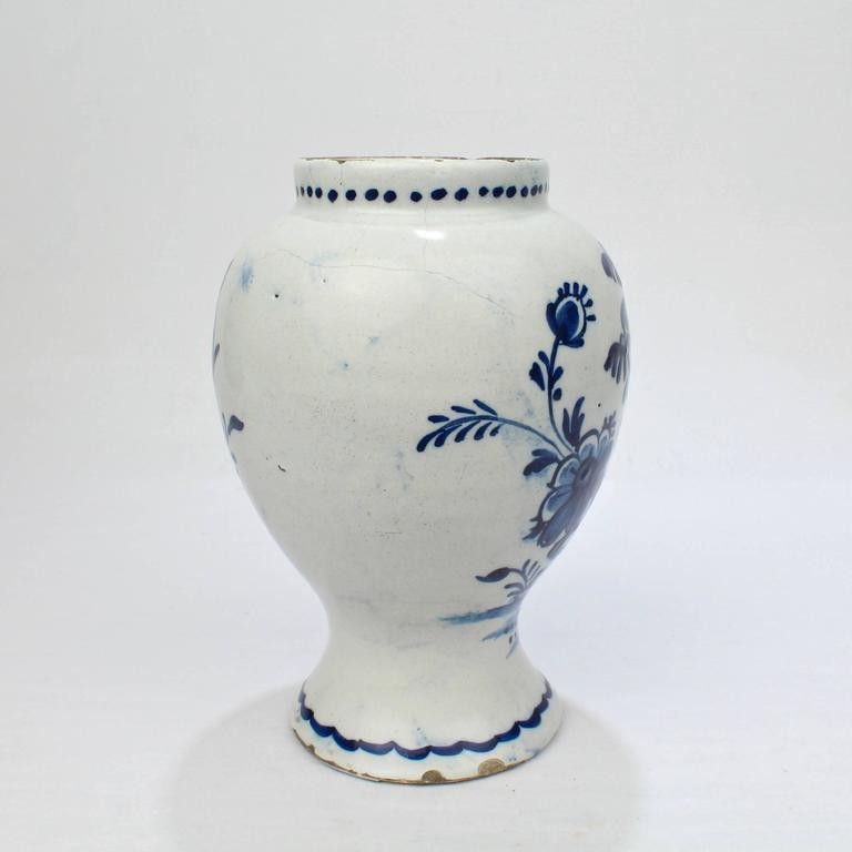 18th Century Tin Glazed Dutch Delft Pottery Blue and White Vase or Jar In Good Condition For Sale In Philadelphia, PA