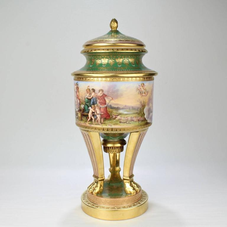 Belle Époque Large Hand-Painted Royal Vienna Porcelain Covered Urn or Vase, 19th Century For Sale