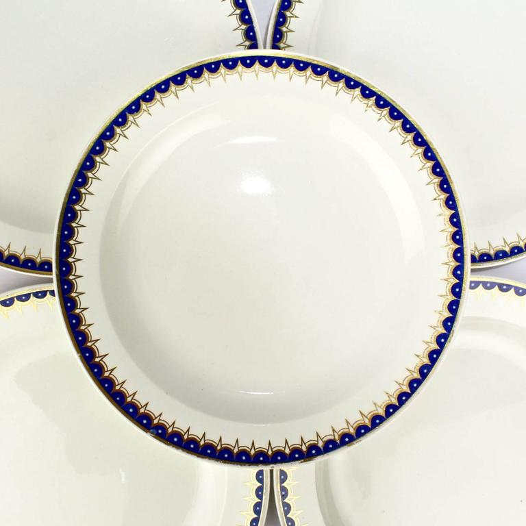 Neoclassical Set of Ten Early 19th Century Wedgwood Creamware Pattern No. 892 Dinner Plates For Sale
