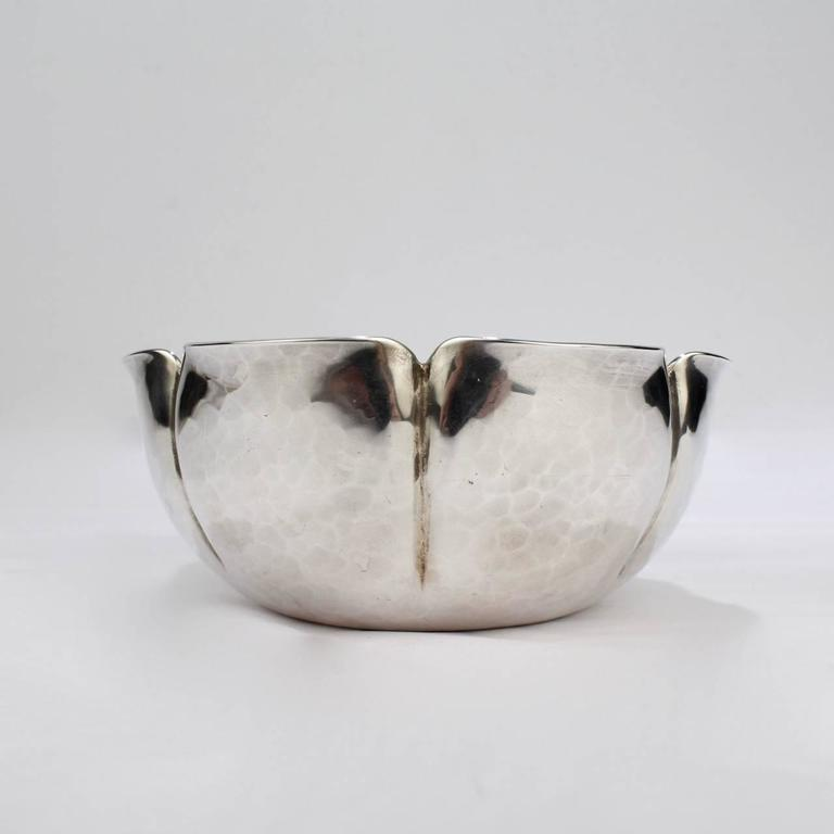 20th Century Joel F Hewes American Arts & Crafts Hand-Hammered Sterling Silver Bowl For Sale