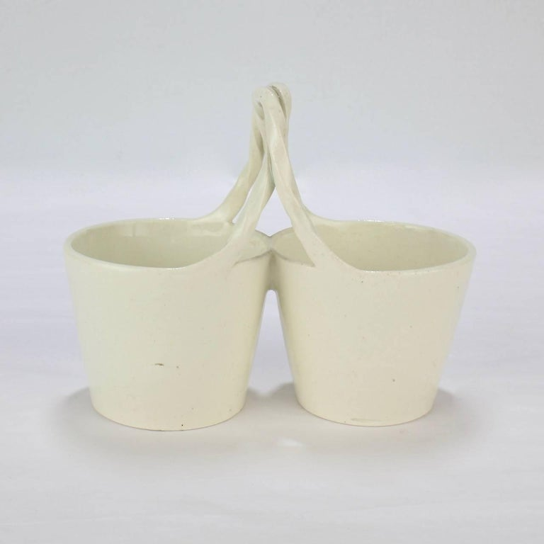 Antique 18th Century Wedgwood Creamware Basket Form Double Salt Cellar In Good Condition For Sale In Philadelphia, PA