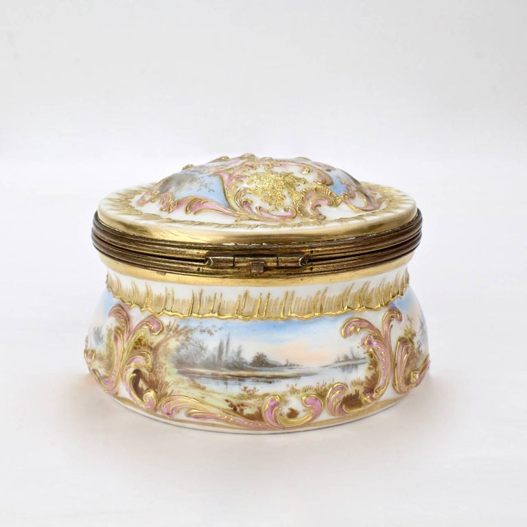 19th Century Antique Gilt Paris Porcelain Table Snuff Box or Round Casket by Bloch & Bourdois For Sale