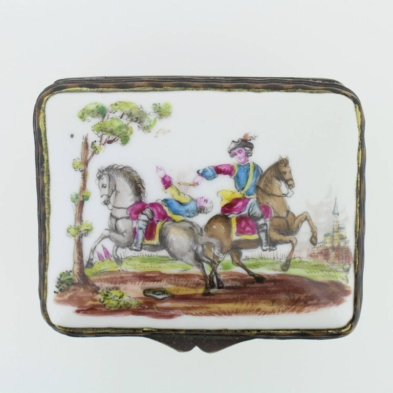 George III Antique French or German Porcelain Snuff Box with Hand-Painted Military Scenes For Sale
