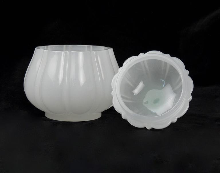 Fine Baccarat White Opaline Art Glass Pear Form Lidded Dresser Jar or Box In Good Condition For Sale In Philadelphia, PA