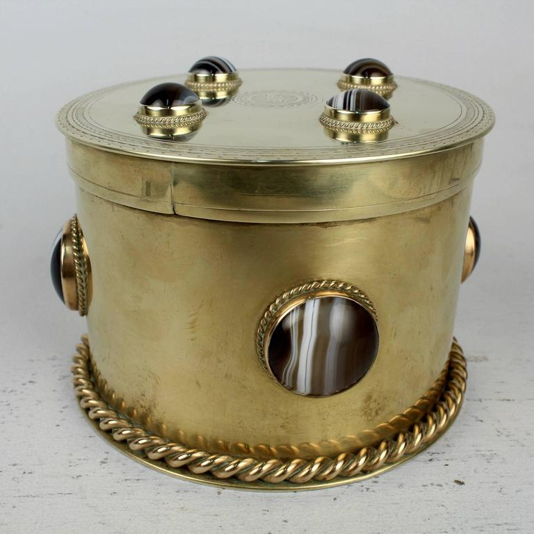 19th Century Round English Men's Dresser Box with Banded Agate Cabochons For Sale 4