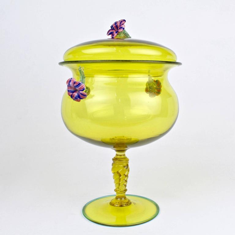 large canary yellow venetian murano glass covered footed bowl with flower finial for sale at 1stdibs. Black Bedroom Furniture Sets. Home Design Ideas