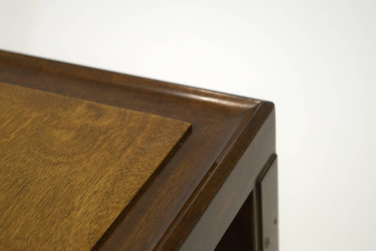 Mid-Century Modern Fine Two-Tone Occasional or End Table by Dunbar in Walnut For Sale