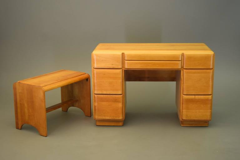 Solid Maple Vanity and Stool, circa 1950s In Excellent Condition For Sale In South Charleston, WV