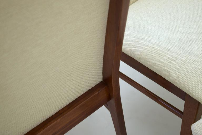 Set of Four Dining Walnut Chairs by Dillingham, New Knoll Textile Upholstery In Excellent Condition For Sale In South Charleston, WV