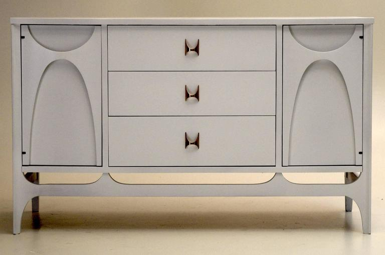 All White Lacquer Broyhill Brasilia China Cabinet Buffet and Hutch ...
