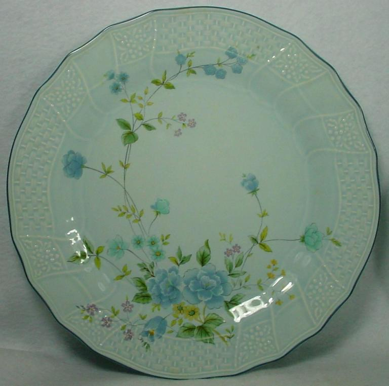 mikasa china michelle d2501 precious blue 40pc set service for eight 3