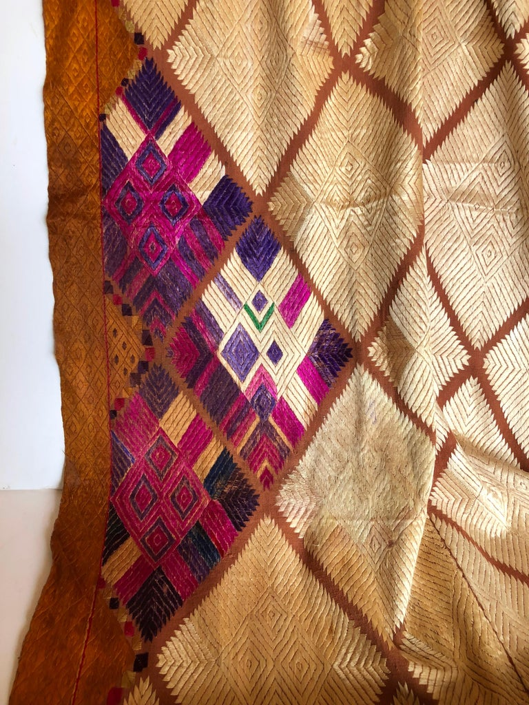 Silk Embroidered Chandi Phulkari Bagh Wedding Shawl from Punjab, India In Good Condition For Sale In Glen Ellyn, IL