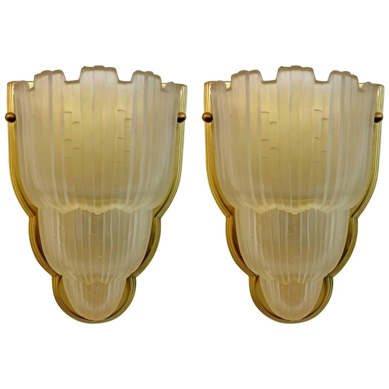 Pair of French Art Deco Wall Sconces by Sabino For Sale