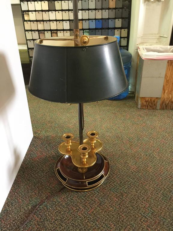 Louis XVI Style Brass Mounted Mahogany Bouillotte Lamp, 20th Century, Jansen In Good Condition For Sale In New York, NY