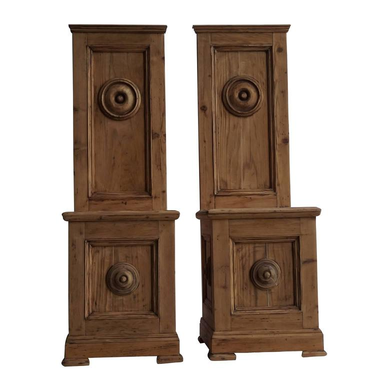 Early 19th Century Cathedral Chairs in Walnut Wood For Sale