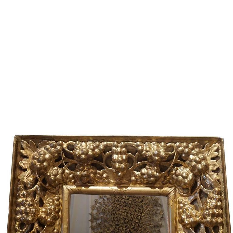 Hand-Carved 19th Century Italian Gilded Wood Wall Mirror For Sale