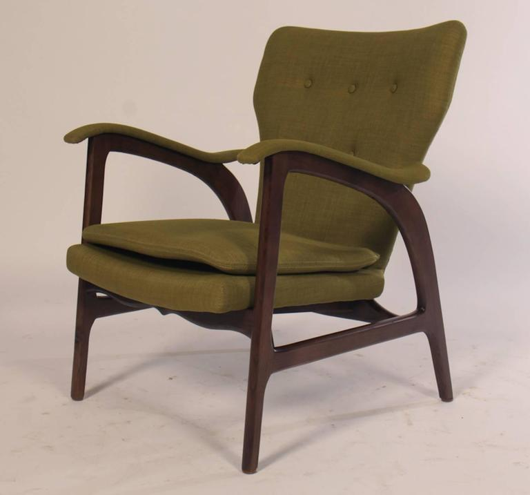 Mid-Century Modern Pair of Mid Century Modern Club Chairs  For Sale
