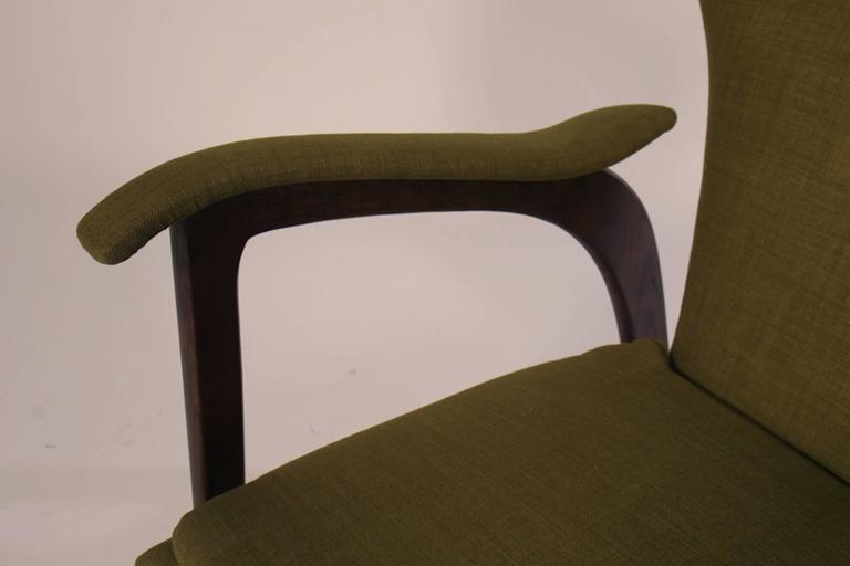 Pair of Mid Century Modern Club Chairs  For Sale 2