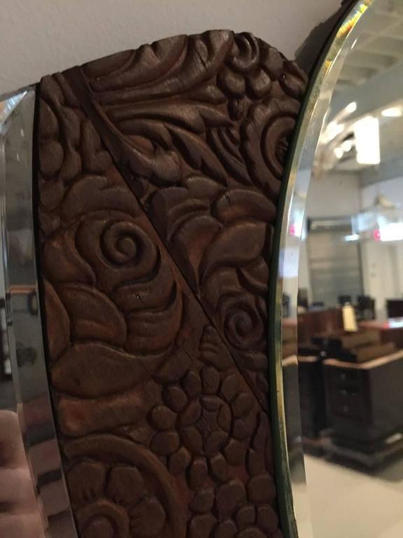American Art Deco 1920s Mirror with Wood Floral Motif In Excellent Condition For Sale In North Bergen, NJ