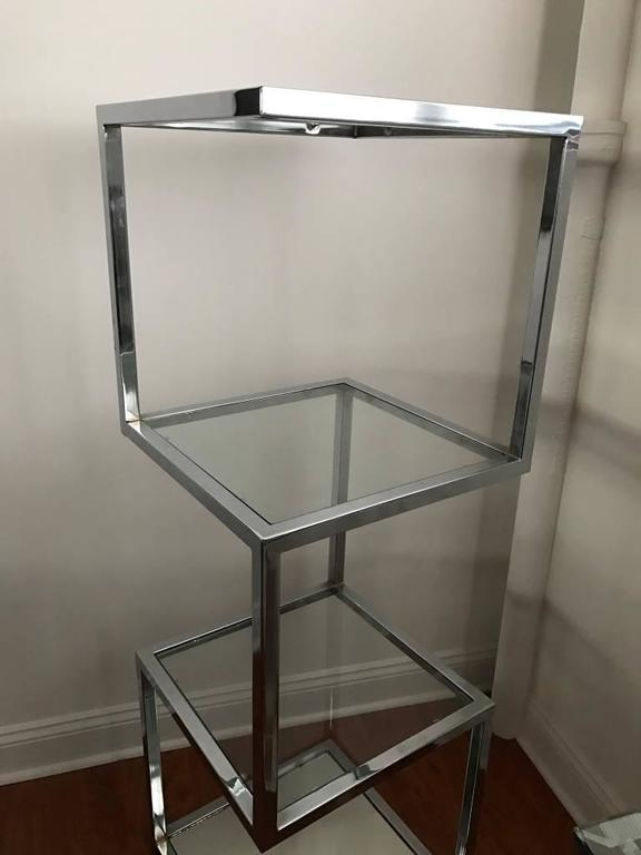 Mid century chrome etagere or display case for sale at 1stdibs - Etagere cases carrees ...