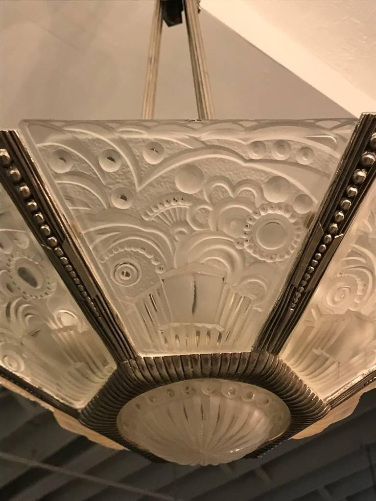 French Art Deco Chandelier by Georges Leleu In Excellent Condition For Sale In North Bergen, NJ