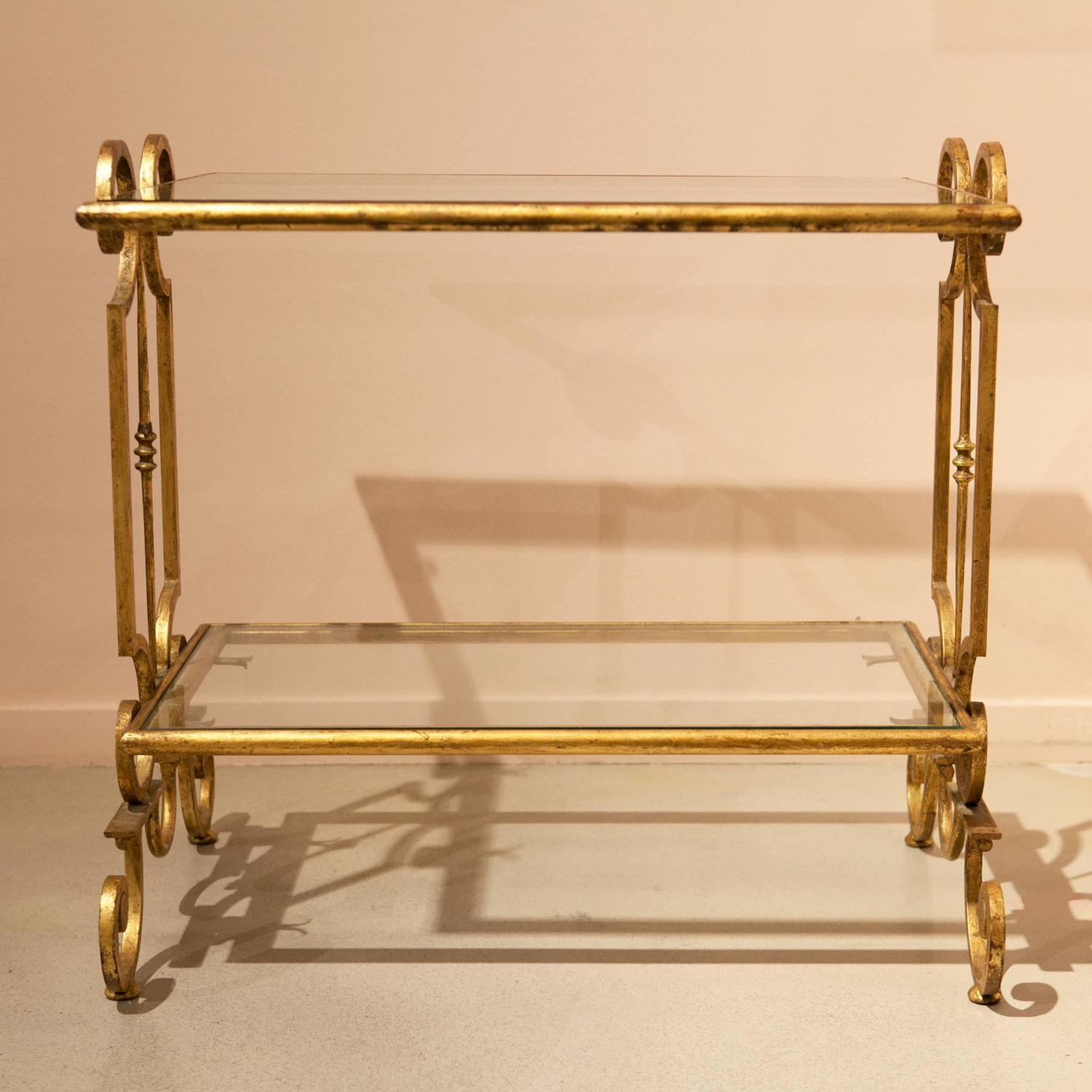 Very chic gold finished iron coffee table for sale at 1stdibs - Tisch oval weiay ...