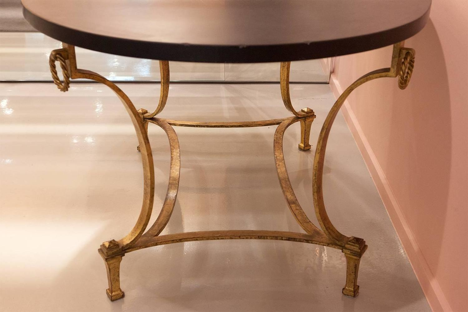 Rare maison ramsay oval center table in gold leaf wrought - Tisch oval weiay ...