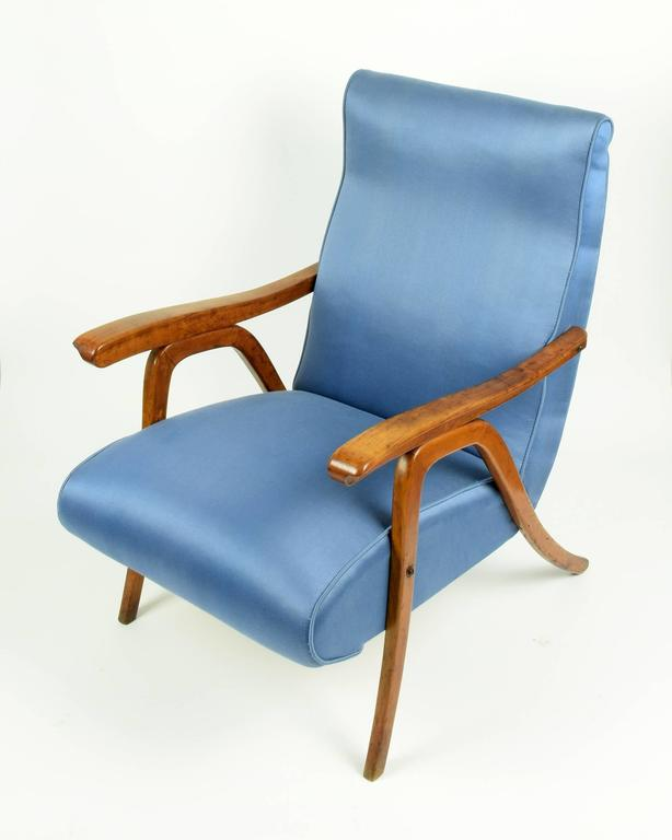 Italian School of Carlo Mollino, Pair of Reclining Armchairs, circa 1955 For Sale