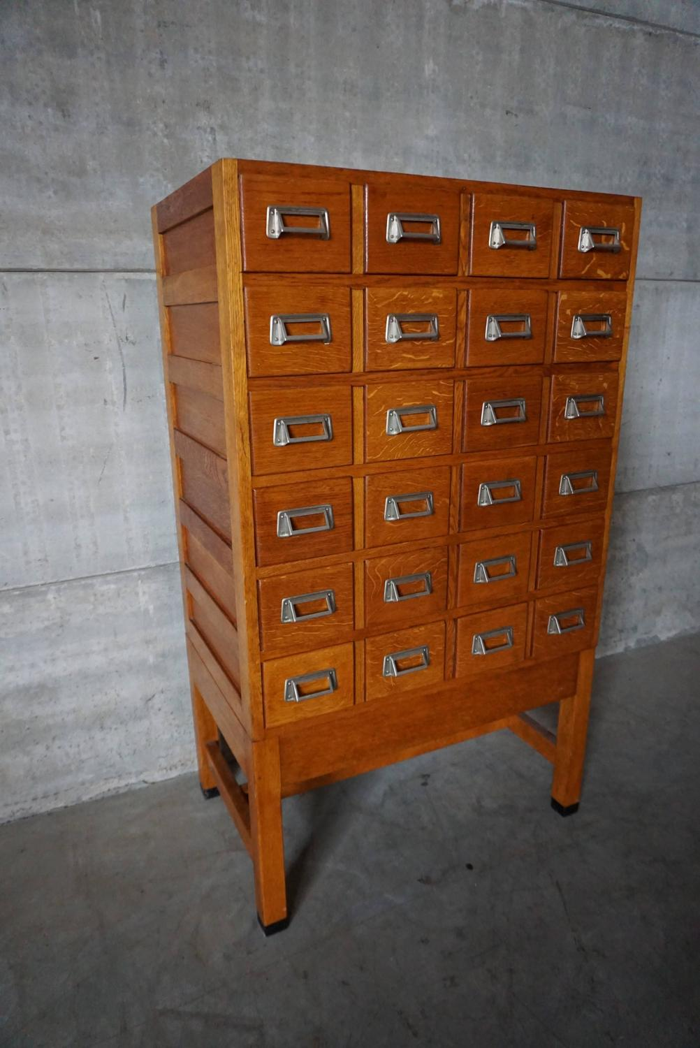 industrial oak filing cabinet 1950s for sale at 1stdibs. Black Bedroom Furniture Sets. Home Design Ideas