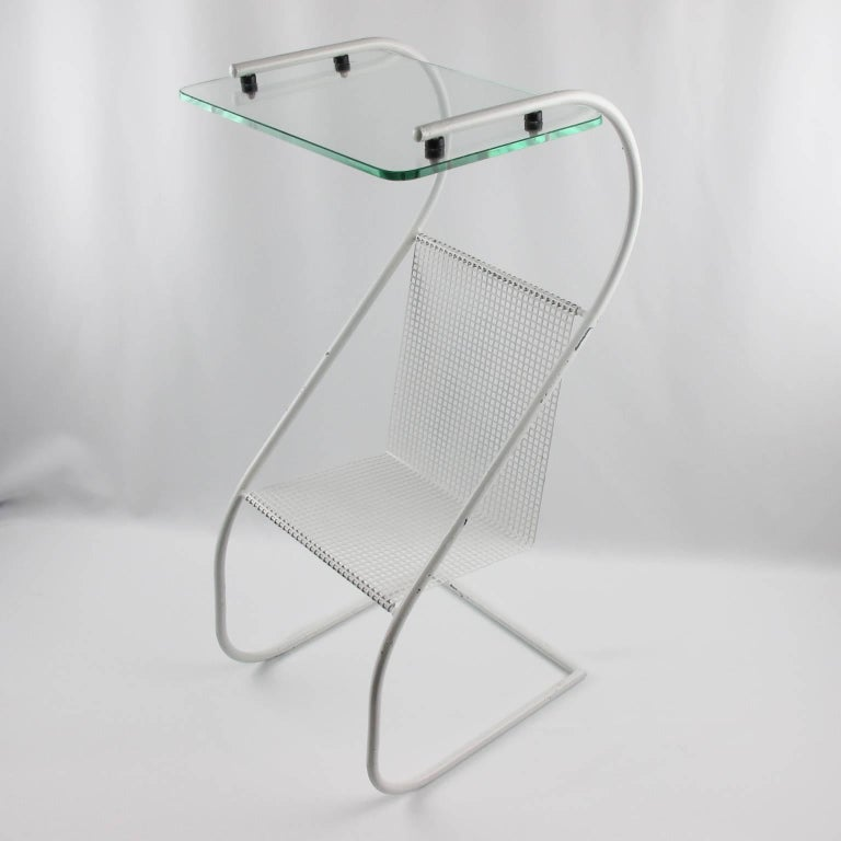 Mid-Century Modern White Metal Side Table and Magazine Rack, France, 1950s 4