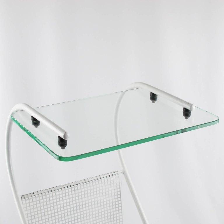 Mid-Century Modern White Metal Side Table and Magazine Rack, France, 1950s 5