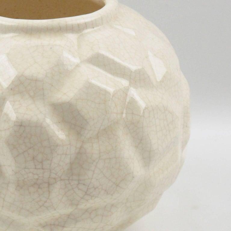 French Art Deco 1930s Saint Clement Crackle Glaze Ceramic Vase In Excellent Condition For Sale In Atlanta, GA