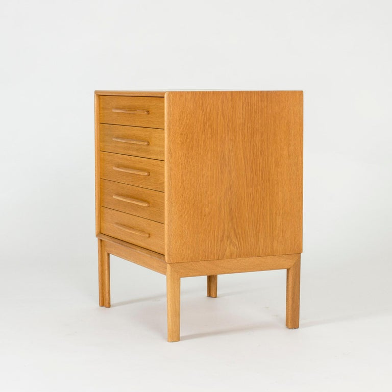 Scandinavian Modern Midcentury Oak Chest of Drawers by Alf Svensson For Sale